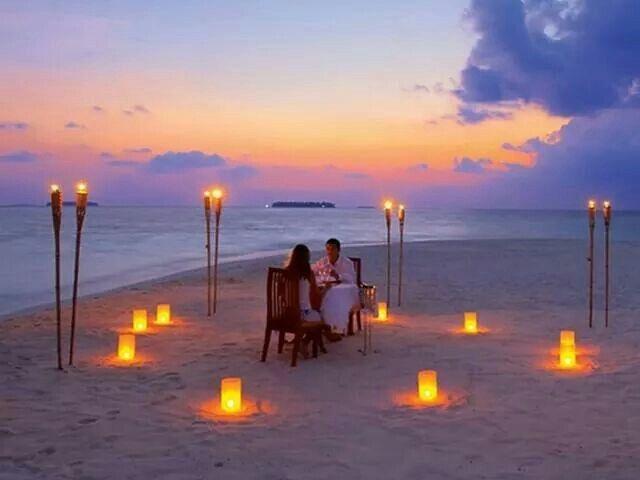 Dinner beach | Hello Flores