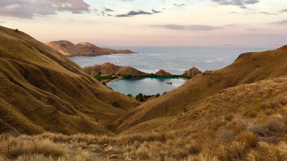 The extraordinary Gili Lawa Darat with its beautiful hills