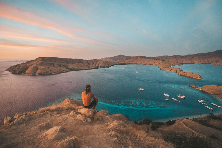Chase the sunrise in Gili Lawa Darat