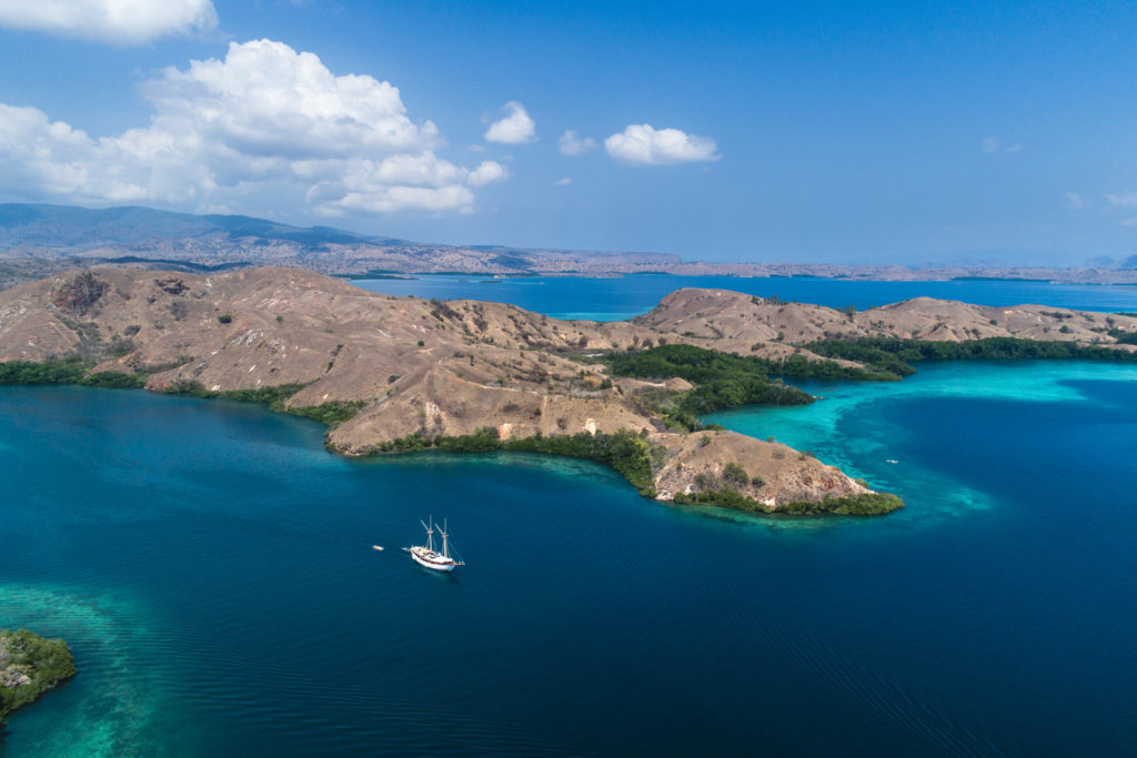 Best scenery while journey to Komodo Island | Hello Flores