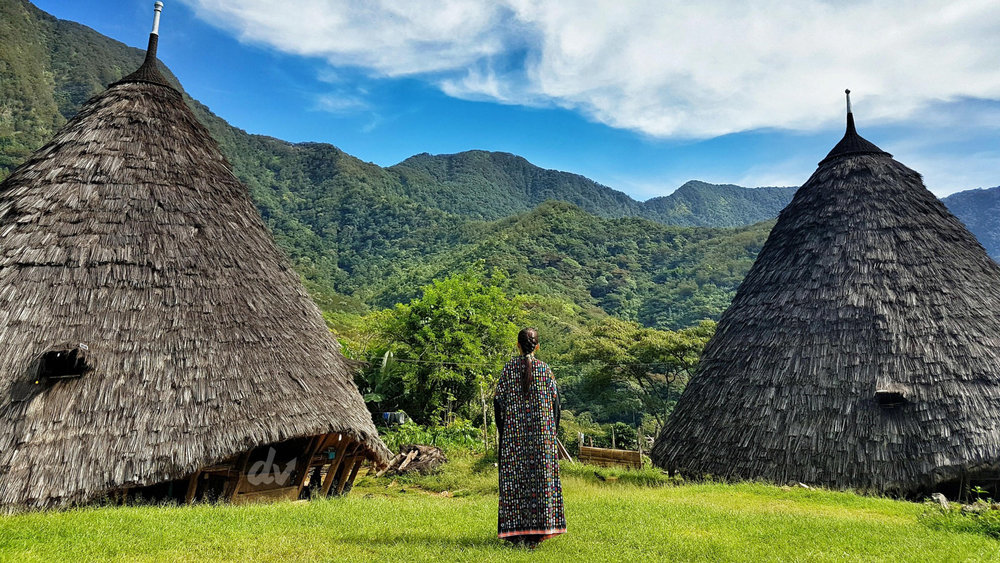 Take a long hike up to the mountain to discover Wae Rebo village | Hello Flores