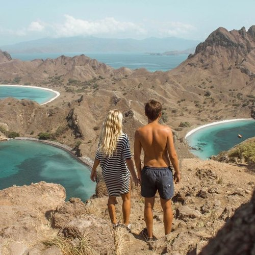 The couple on the top of Padar Island