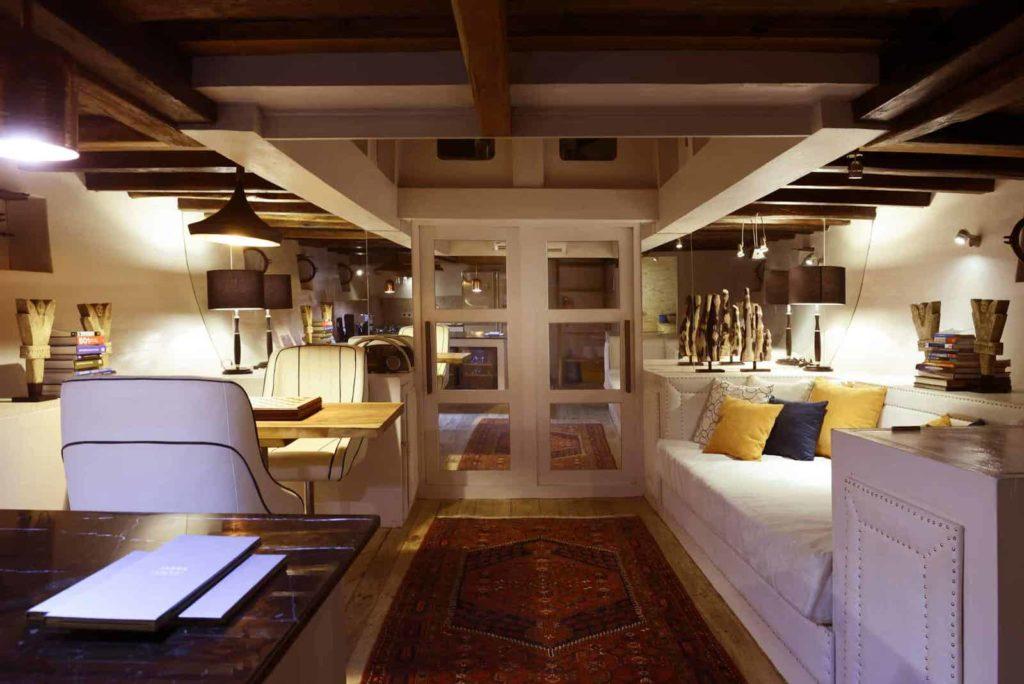 Alexa Liveaboard Secure Interior Cabin | Hello Flores