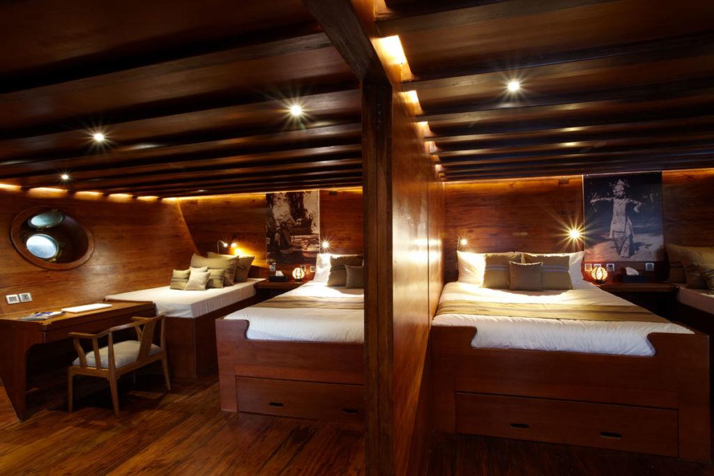 Damai Liveaboard Master Bed | Hello Flores