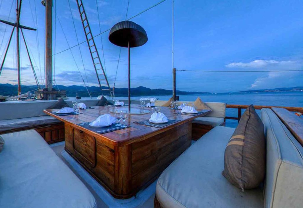 Damai Liveaboard Intimate Dining Experience| Hello Flores