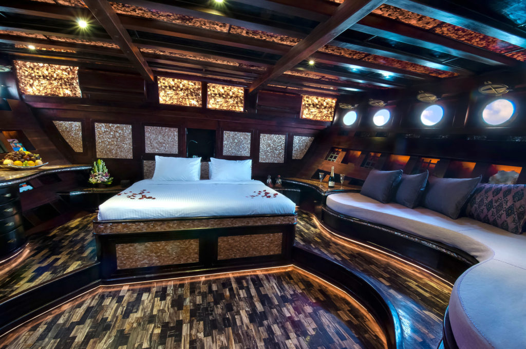 Mantra Mae Liveaboard Classy Master Bed Cabin | Hello Flores