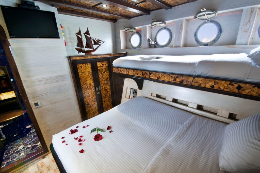 Mantra Mae Liveaboard Gorgeous Room Cabin | Hello Flores