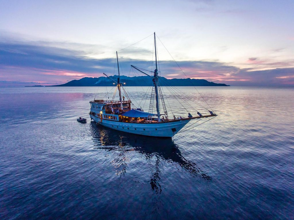 Ocean Pure Liveaboard Greatest Sail | Hello Flores