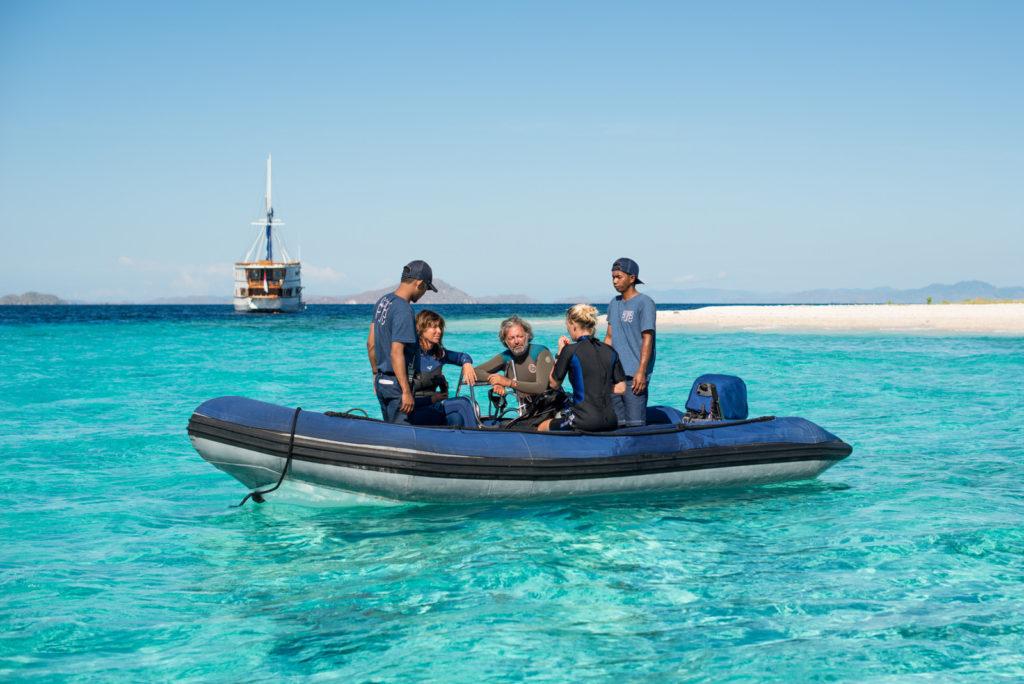 Ocean Pure Liveaboard Diving Instruction | Hello Flores