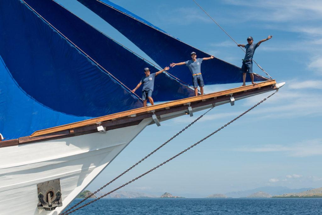 Ocean Pure Liveaboard Best Crew | Hello Flores