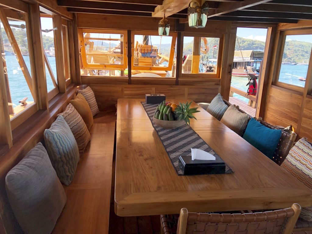 Samara Liveaboard Chill Lounge Experience | Hello Flores