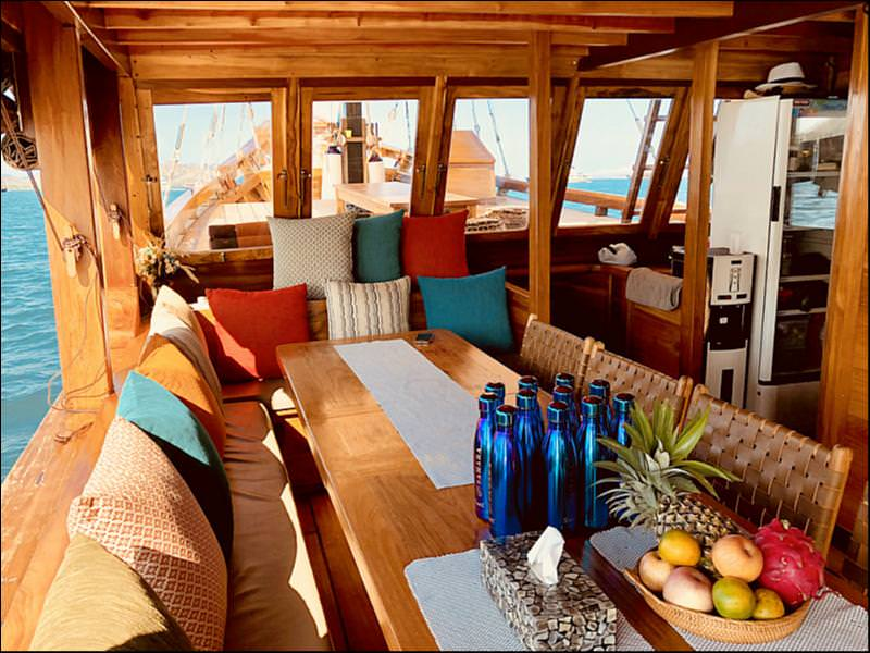 Samara Liveaboard Vibrant Lounge Experience | Hello Flores