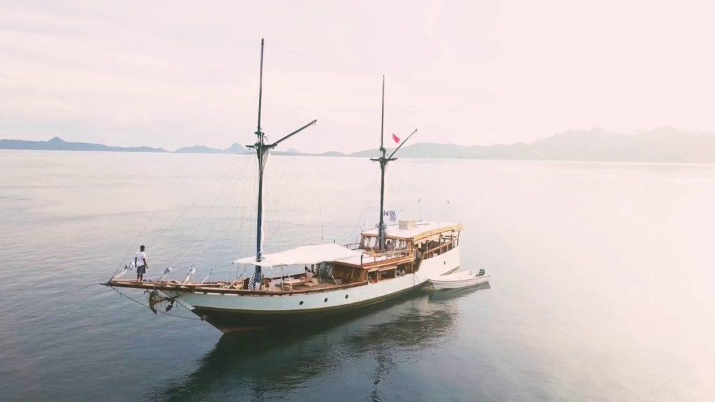 Samara Liveaboard to Wonderful Destination | Hello Flores