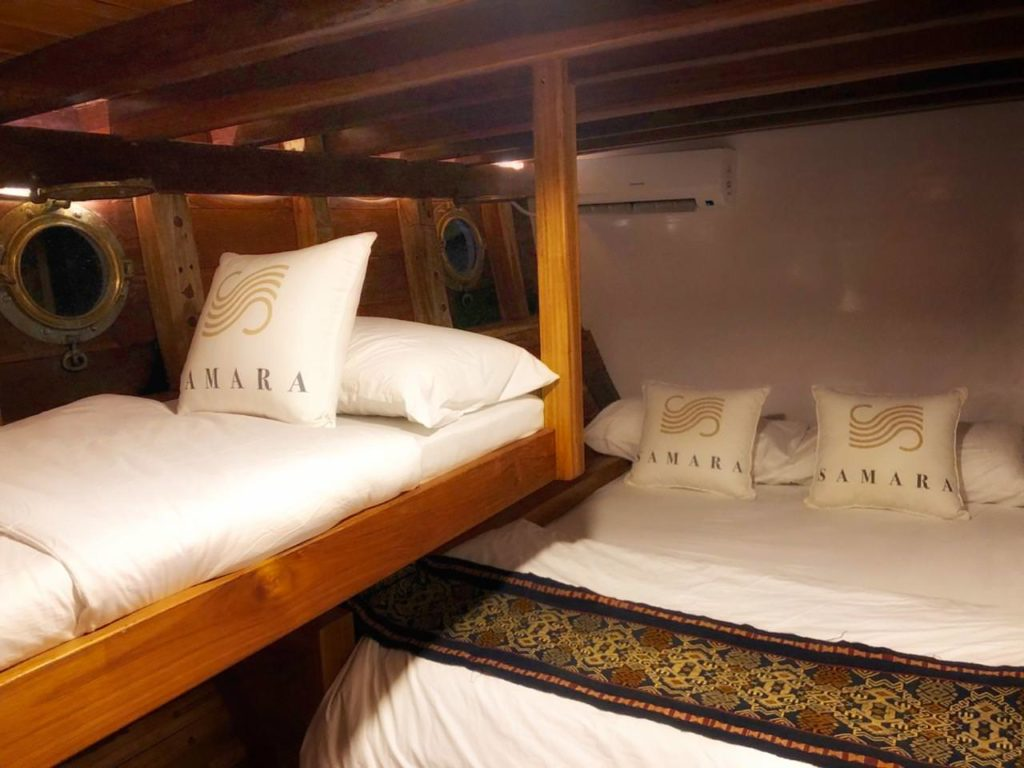 Samara Liveaboard Decent Double Bed | Hello Flores