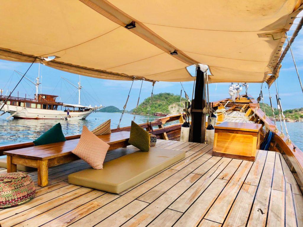 Samara Liveaboard Tropical Vibes Deck| Hello Flores