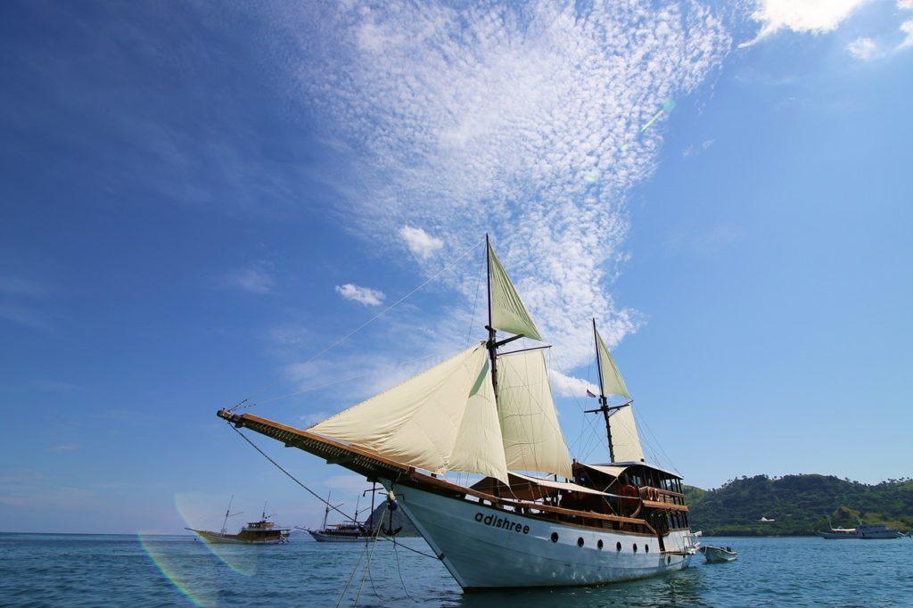 Adishree Liveaboard Outstanding Cruise | Hello Flores