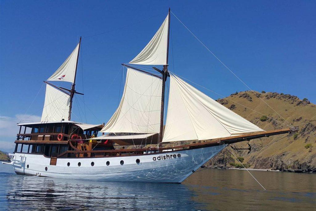 Adishree Liveaboard Magnificent Cruise | Hello Flores