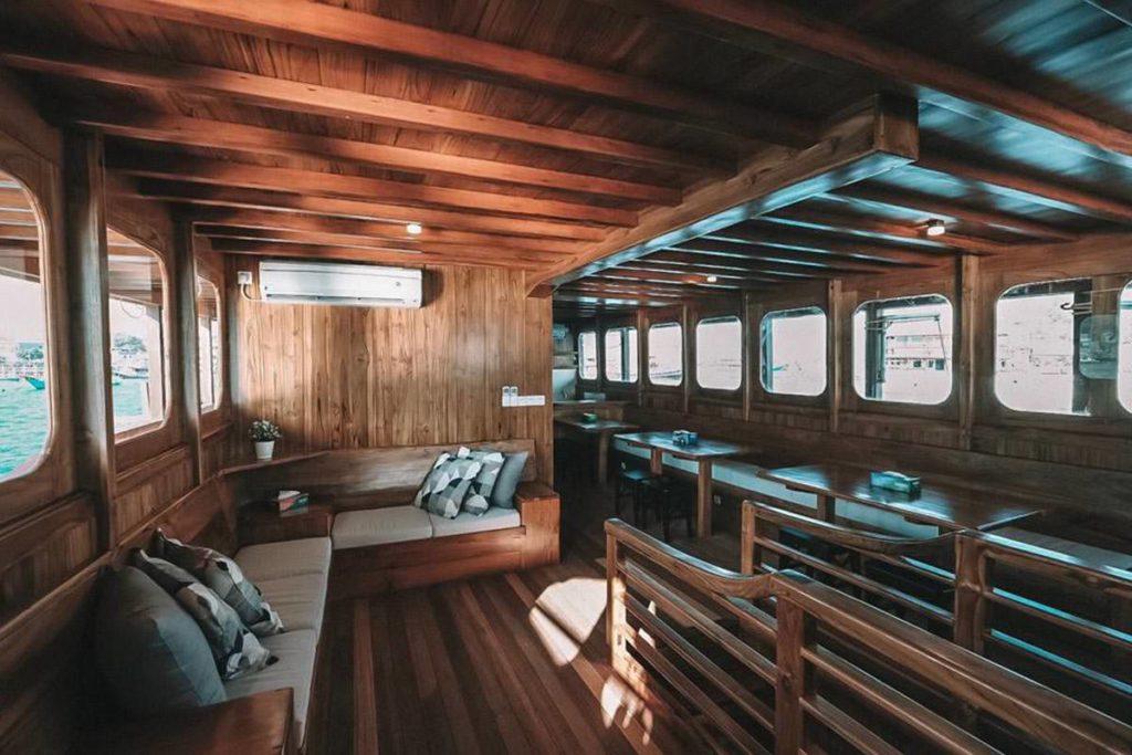 Andamari Liveaboard Living Deck | Hello Flores