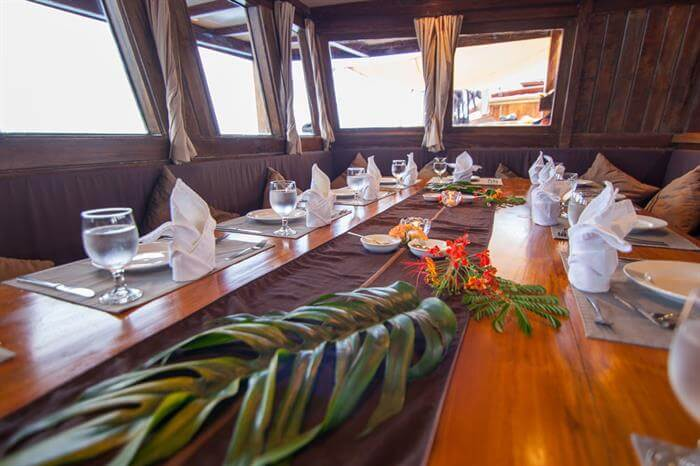 Damai Liveaboard Vibrant Dining Experience | Hello Flores