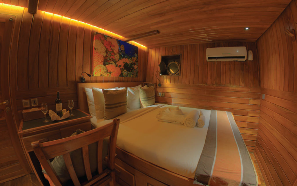 Damai Liveaboard Bed Cabin | Hello Flores