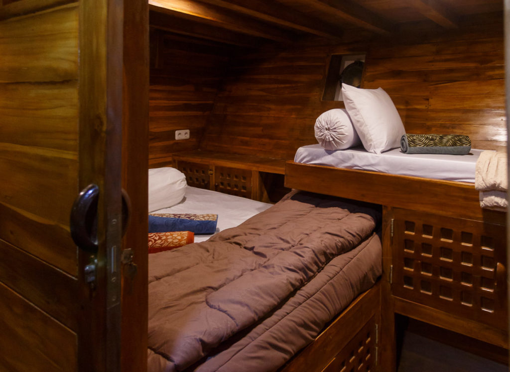 Helena Liveaboard Double Deck | Hello Flores