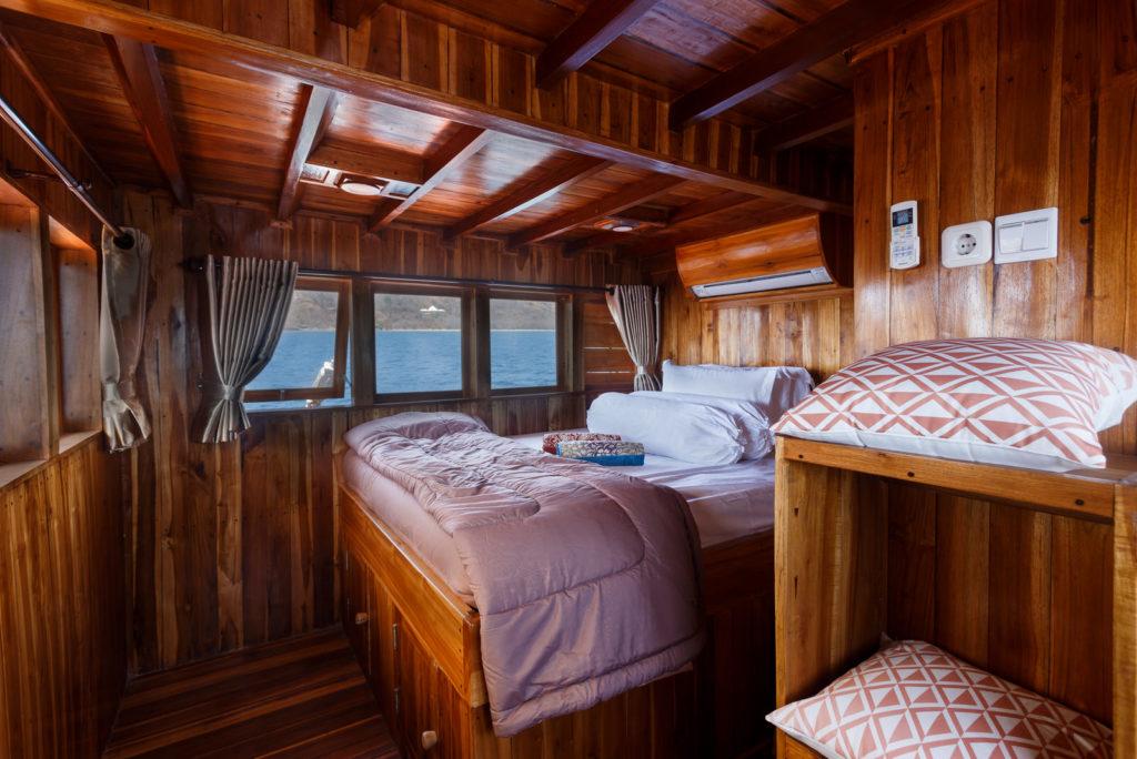 Helena Liveaboard Room Cabin | Hello Flores