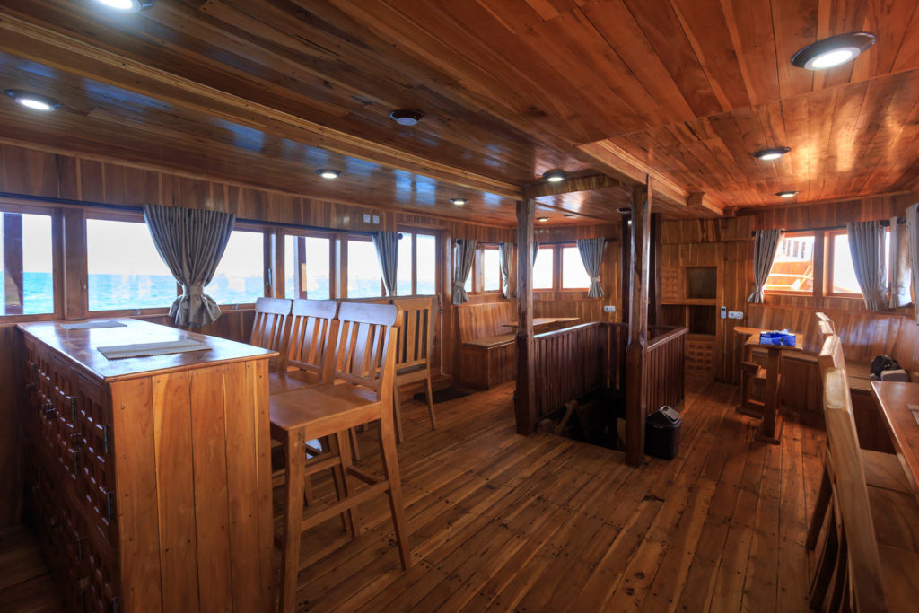 Helena Liveaboard Living Cabin | Hello Flores