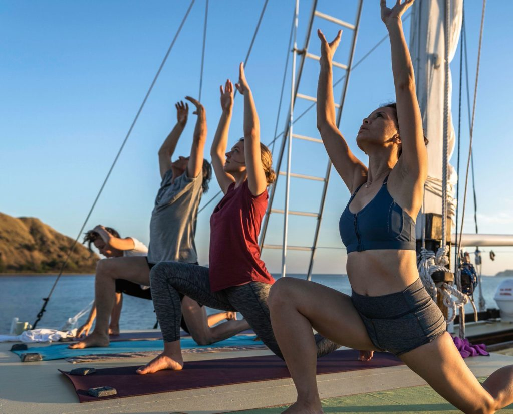 Jakare Liveaboard Yoga Retreat | Hello Flores
