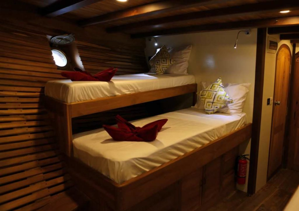 Leyla Liveaboard Twin Bed | Hello Flores