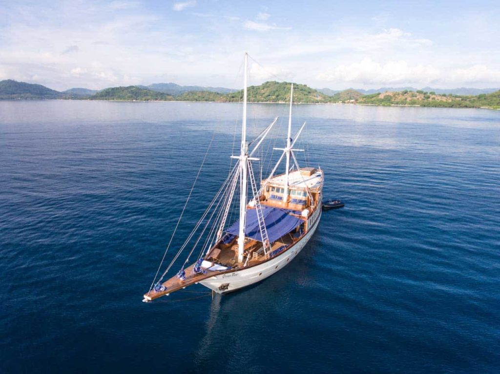 Ocean Pure Liveaboard Worldclass Boat | Hello Flores