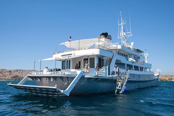 Salila Liveaboard Amazing Ocean Trip | Hello Flores