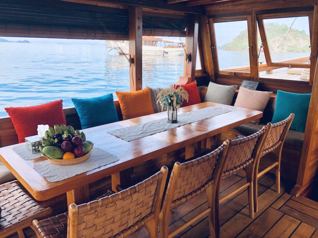 Samara Liveaboard Cozy Dining Experience | Hello Flores