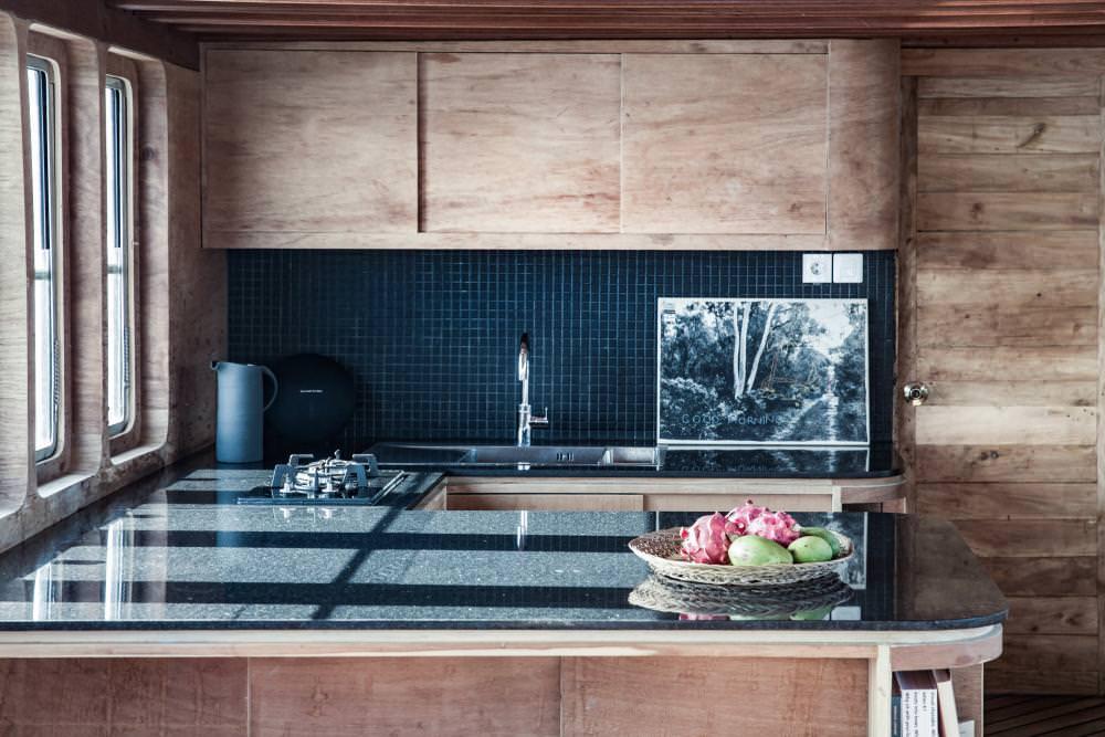Splendour Liveaboard Kitchen Set | Hello Flores