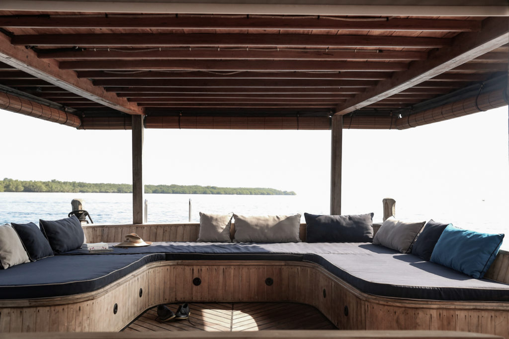 Splendour Liveaboard Living Cabin | Hello Flores