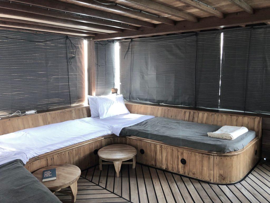 Splendour Liveaboard Double Bed | Hello Flores