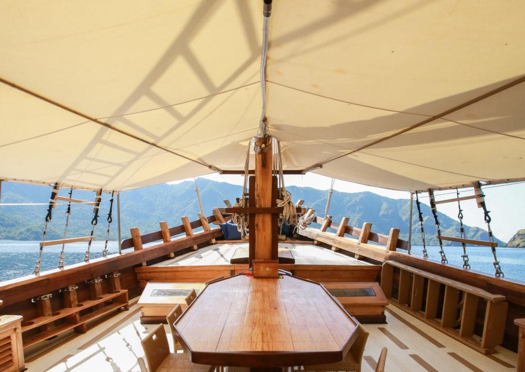 Tanaka Liveaboard Top Deck | Hello Flores