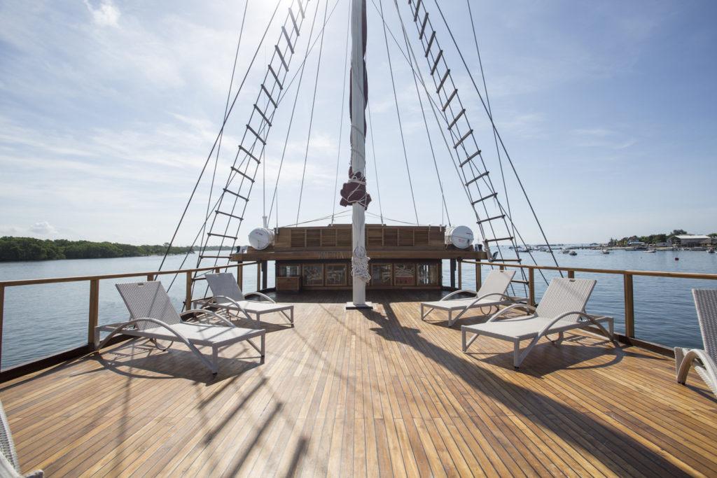 Tiare Liveaboard Intimate Sun Deck | Hello Flores