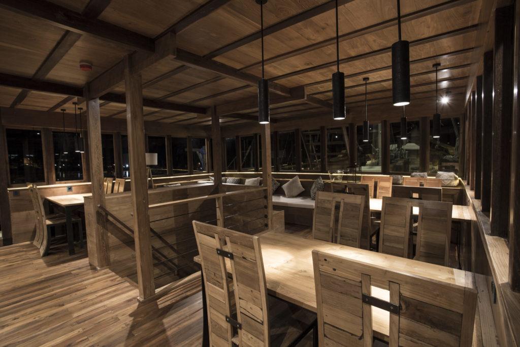 Tiare Liveaboard Living Interior | Hello Flores