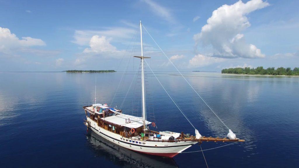 Wisesa Liveaboard Enhancing Ship | Hello Flores