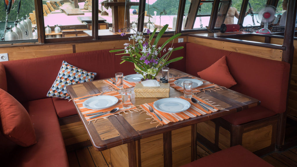 Wisesa Liveaboard Cozy Dining Experience | Hello Flores