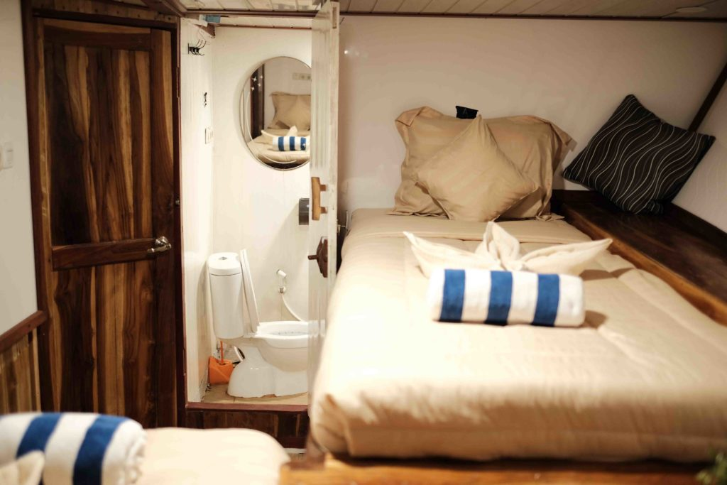 Cabin in Sinar Pagi with 2 single beds | Hello Flores