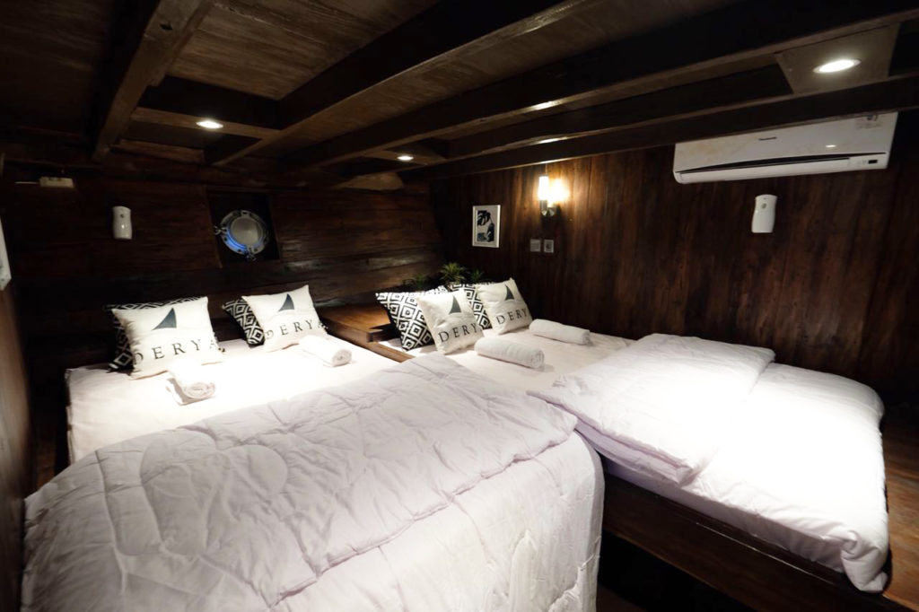 A sharing cabin for 4 person in the Derya liveaboard | Hello Flores