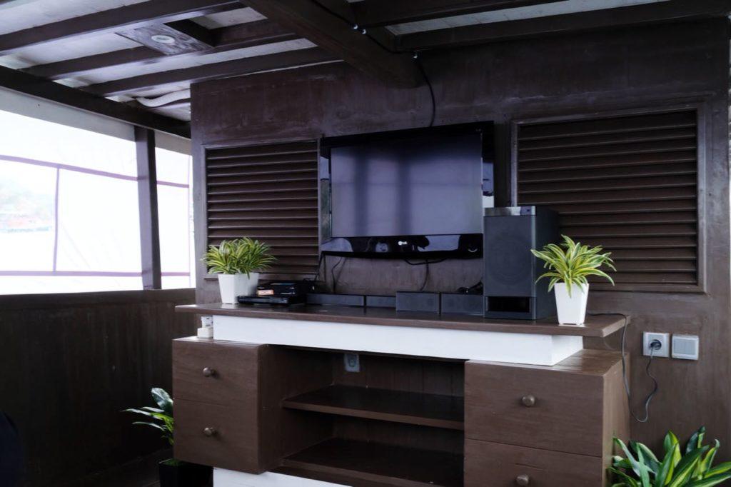 Derya Liveaboard Full Furniture   Hello Flores