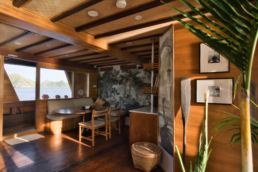 Magia Liveaboard Beautiful Interior | Hello Flores