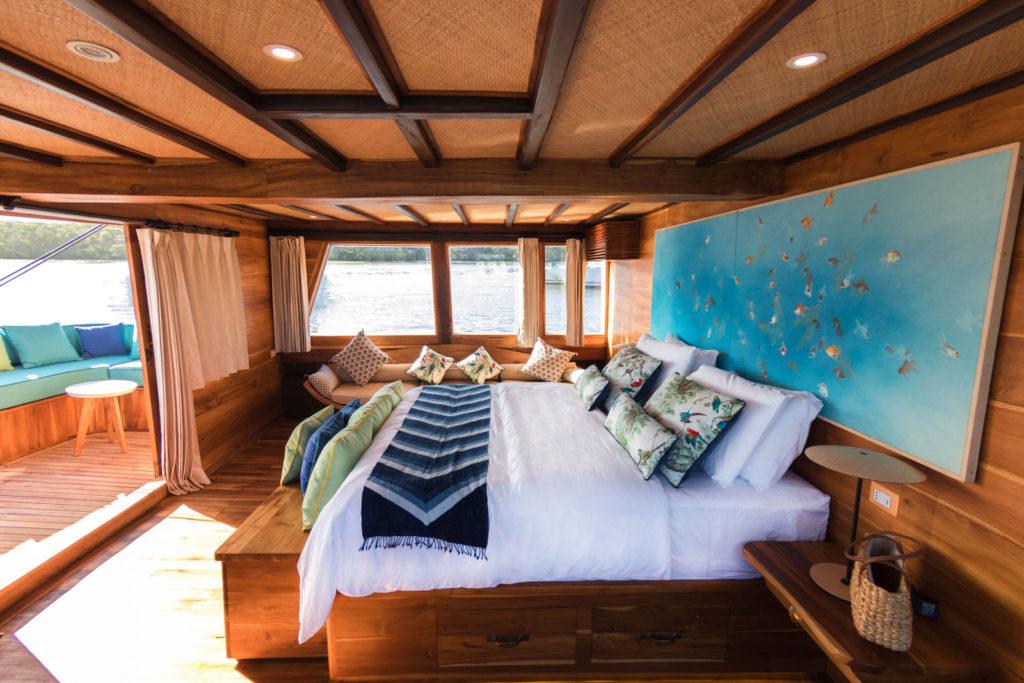 Magia Liveaboard Comfy Room Cabin | Hello Flores