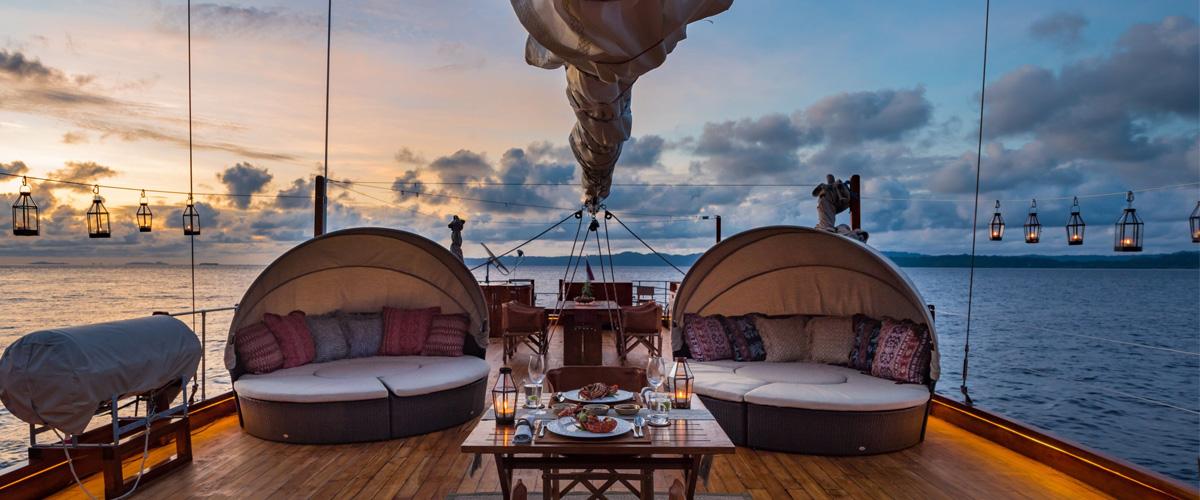 upper deck relaxing area | Hello Flores