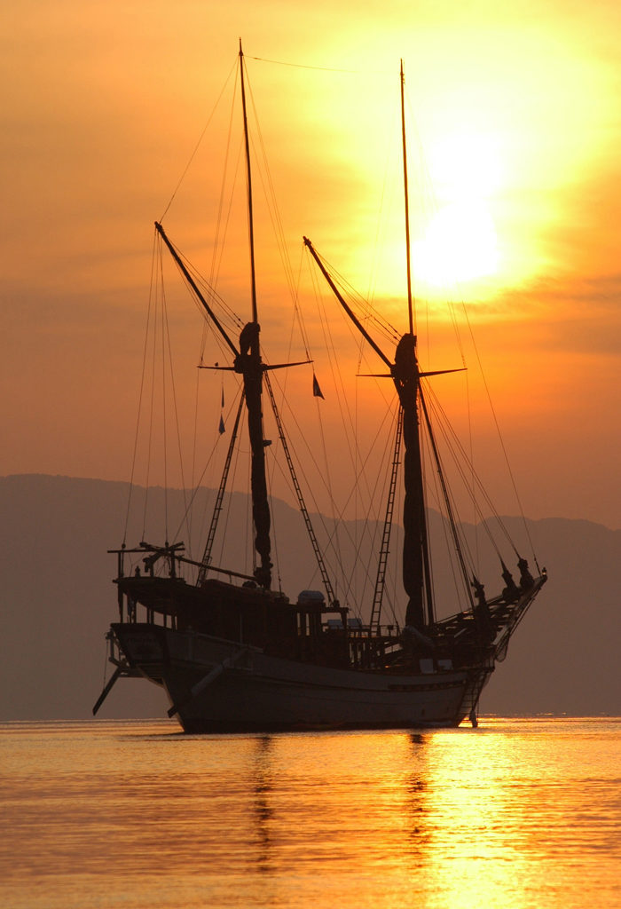 Best Place to See Sunset in Komodo National Park | Hello Flores