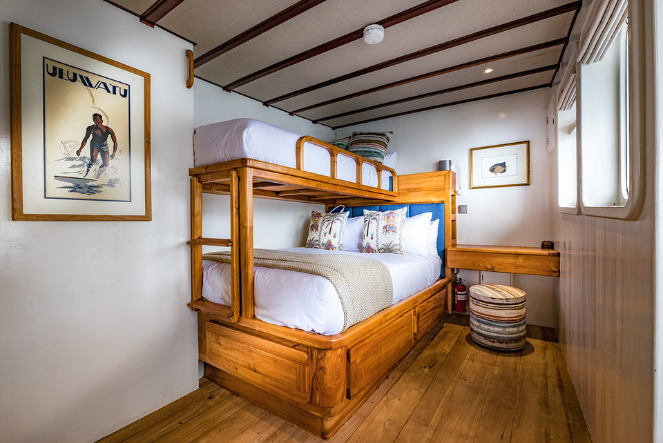 Rascal Liveaboard Twin Bedroom | Hello Flores