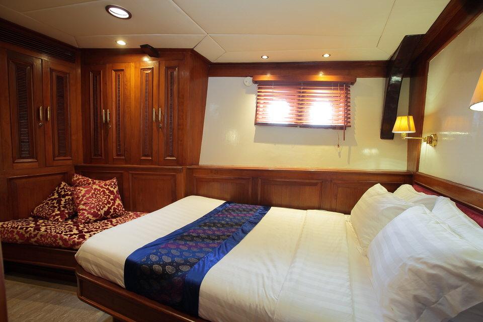 Mutiara Laut Liveaboard Bedroom | Hello Flores