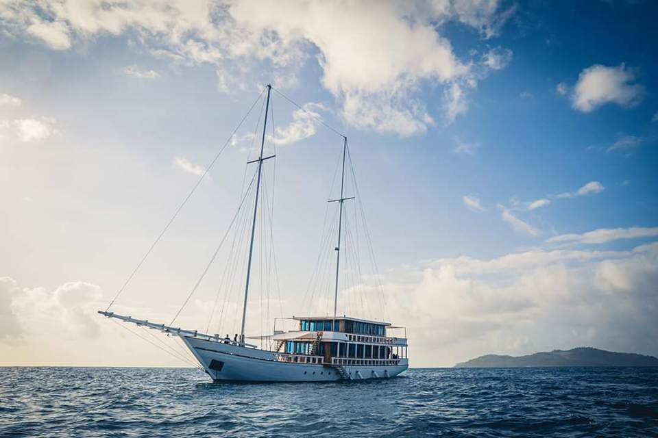 Fenides Liveaboard Vast Boat | Hello Flores